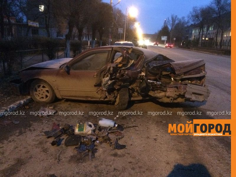 Новости Уральск - Стали известны подробности ДТП с участием трех машин в Уральске