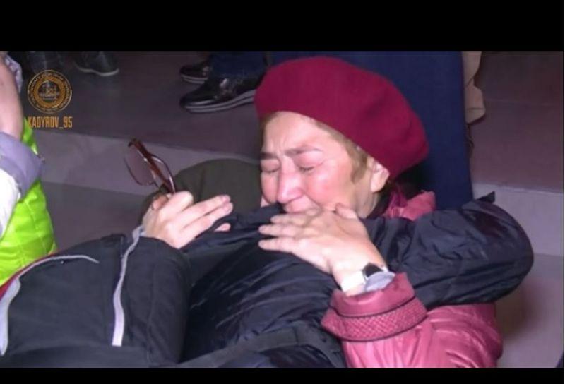 Новости - Жительницу Уральска с 4 детьми вывезли из Сирии в Грозный