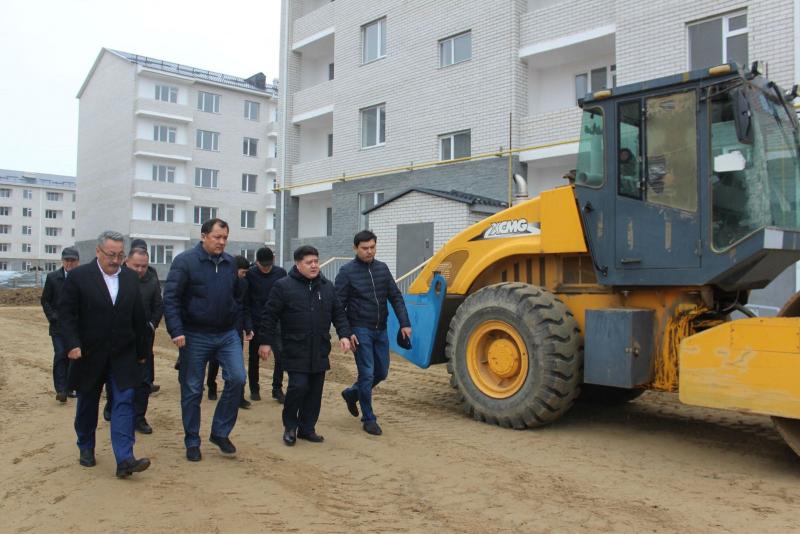 Новости Атырау - Строить жилье без дефектов поручил аким Атырауской области подчиненным