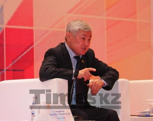 Новости Актобе - Аким Актюбинской области отчитал за поборы директоров школ и колледжей
