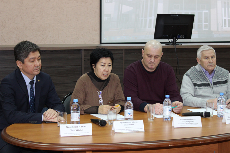 Новости Уральск - Врачи из Костаная провели осмотр больных в городской многопрофильной больнице