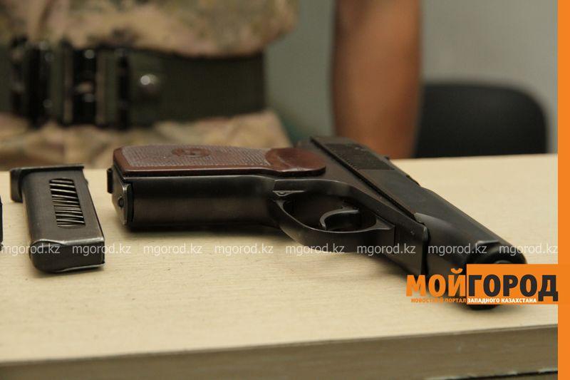 Новости Актобе - Поставщиков боевого оружия задержали в Актобе