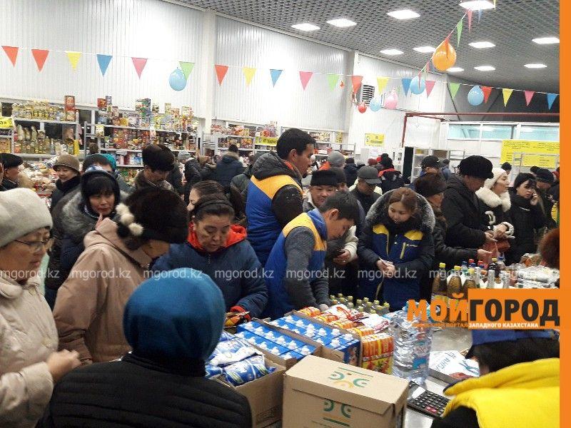 Новости Атырау - 5 тонн картофеля раскупили жители Атырау за 45 минут