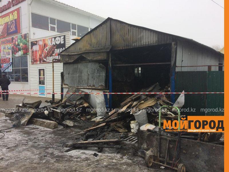 Новости Уральск - В Уральске сгорела шашлычная (фото, видео)
