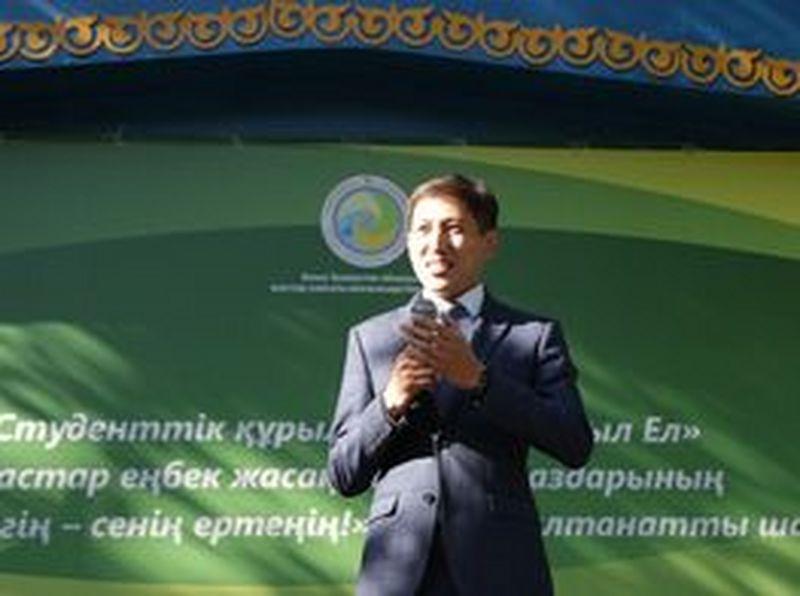Новости Уральск - Орал қаласында жас сарбаздарды атап өтті