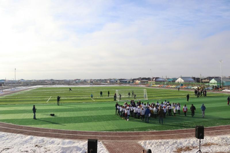 Новости Атырау - Новую футбольную площадку со спортзалом открыли в пригороде Атырау