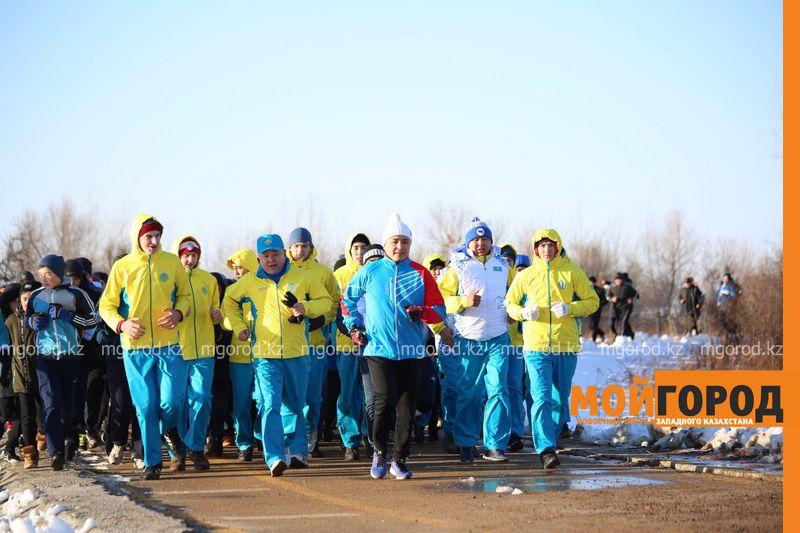 Новости Уральск - Две тысячи человек приняли участие в массовом забеге в Уральске