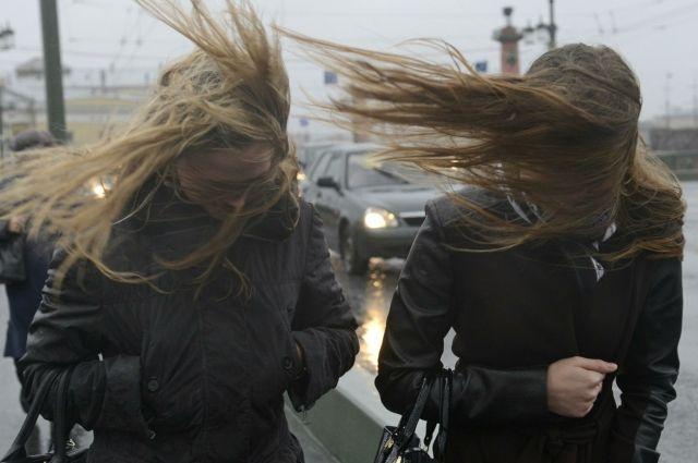 Сильный ветер с порывами ожидается в Атырауской области