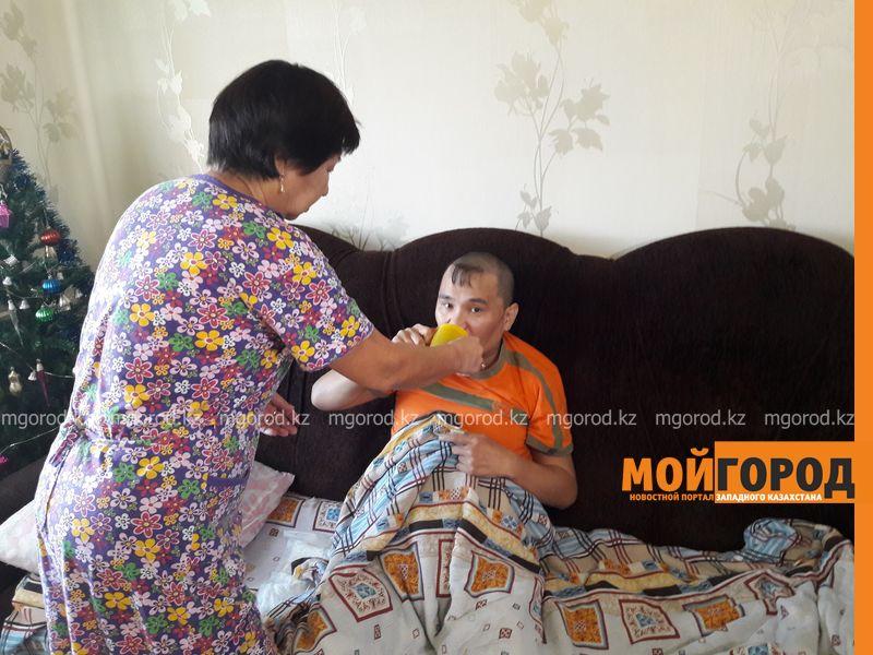 Новости Уральск - В ЗКО мать инвалида просит отправить сына на реабилитацию