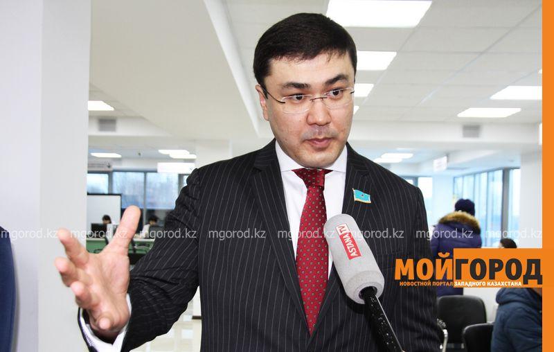 Новости Уральск - Правительство не поддержало идею мажилисмена из ЗКО о возврате полицейских жезлов