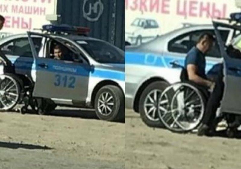 Новости Атырау - В Атырау полицейский, который помог инвалиду, снова отличился