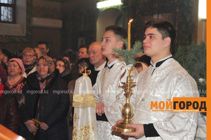 Православные христиане Уральска празднуют Рождество