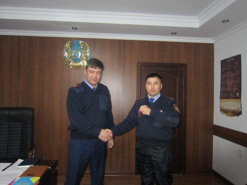 Новости - 9 полицейских Атырауской области получили ключи от новых квартир