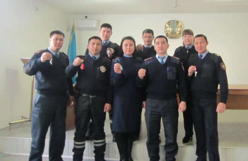 9 полицейских Атырауской области получили ключи от новых квартир