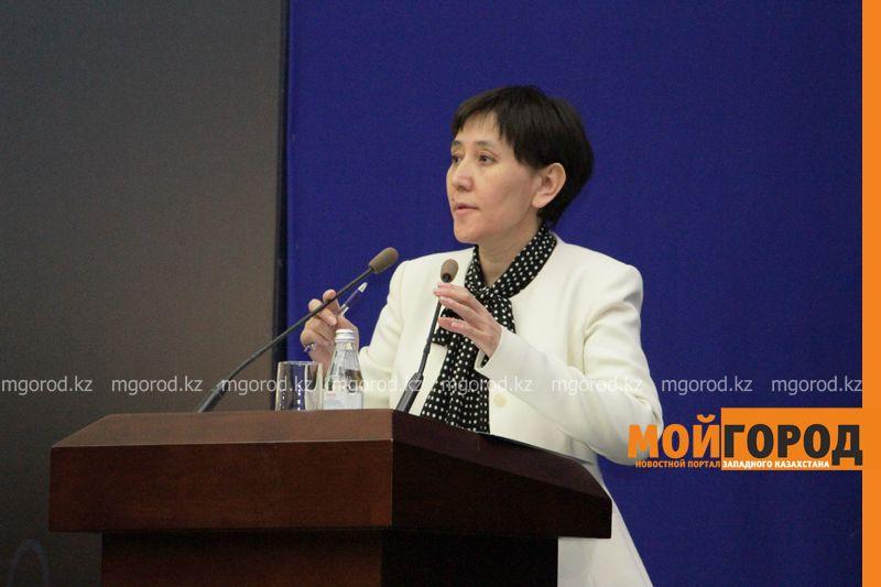 Назарбаев министру труда: Тамара, ты устала на этой работе?