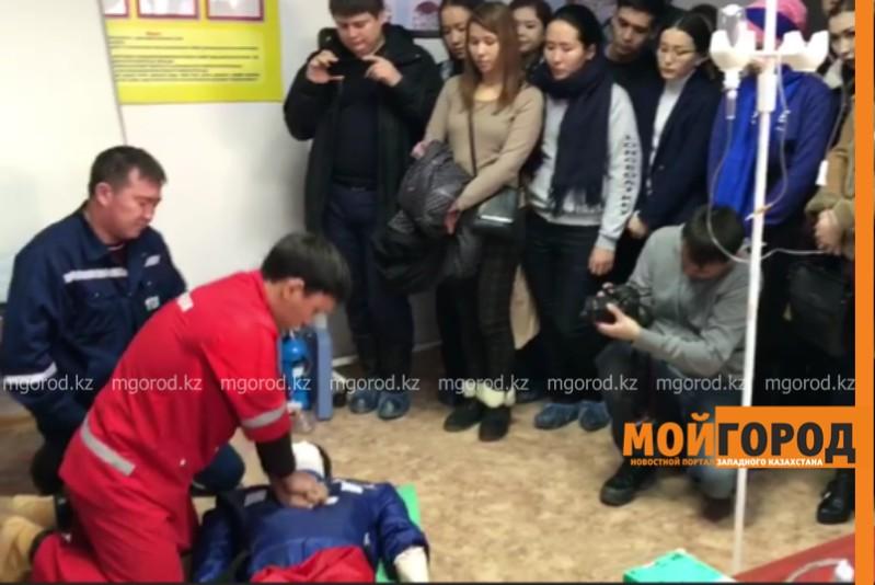 Новости - 40 волонтеров смогли поработать в службе скорой помощи в Атырау