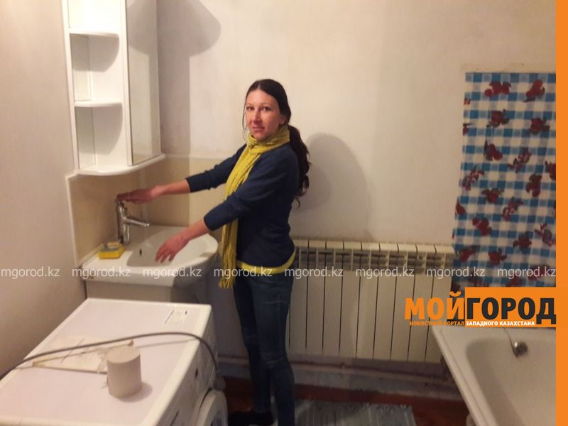Новости Уральск - Неизвестная женщина купила дом многодетной семье, ютившейся в дачном домике в Уральске