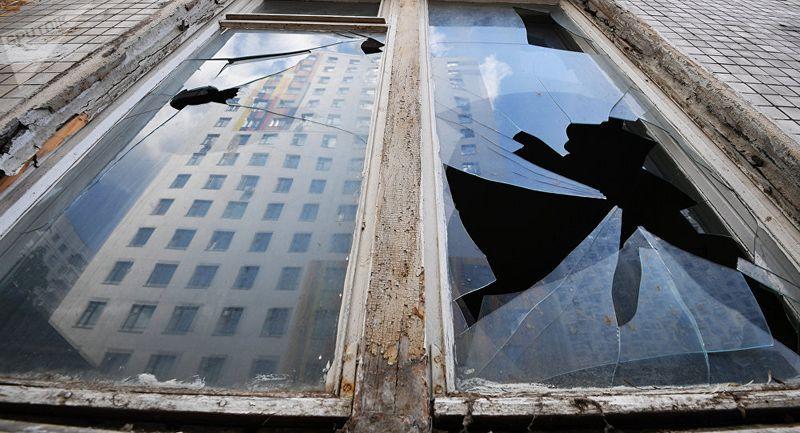 Новости - При взрыве льда на Иртыше в домах многоэтажек в Семее выбило стекла