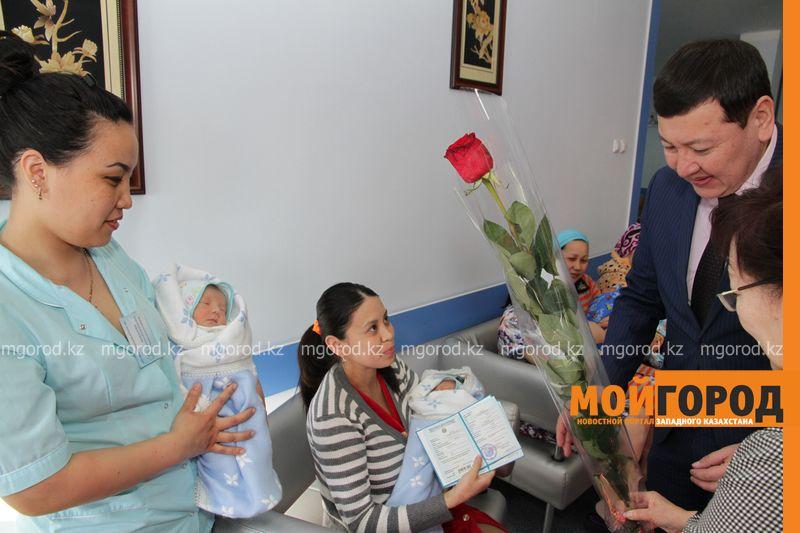 717 детей родились в Уральске в 2018 году