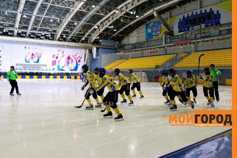 Команда Казахстана по хоккею с мячом вошла в тройку сильнейших