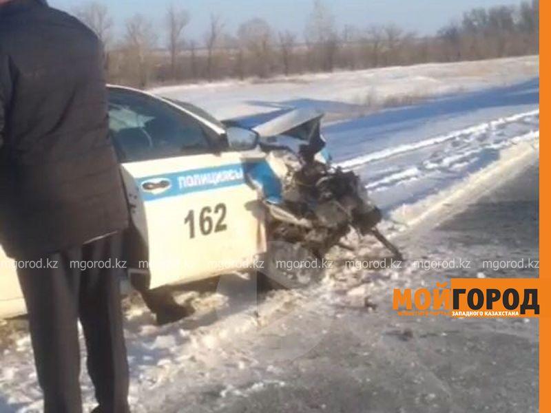 В ЗКО патрульная машина столкнулась с иномаркой (фото, видео)
