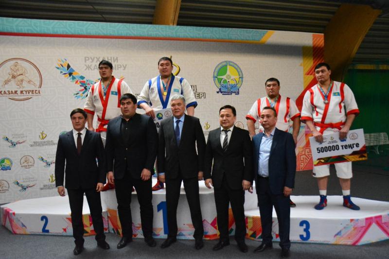 Новости Атырау - 2 миллиона тенге увез в ВКО из Атырау победитель турнира по казакша курес