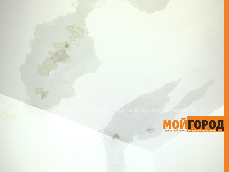 Новости Актобе - Жителей многоэтажек в Актобе заливает из-за обильного таяния снега