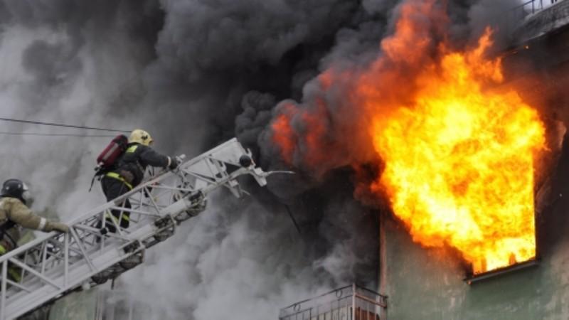Новости Атырау - Шесть рабочих погибли и четверо пострадали при пожаре в общежитии в Атырауской области