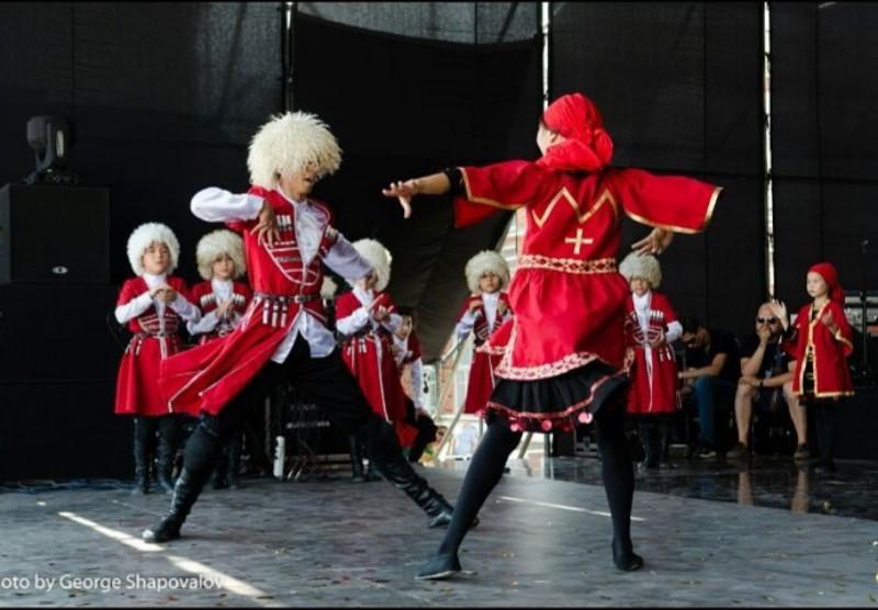 Новости Атырау - Танцевальный коллектив из Атырау стал лауреатом международного фестиваля в Алматы