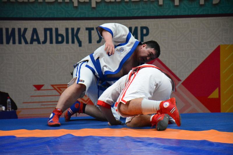 2 миллиона тенге увез в ВКО из Атырау победитель турнира по казакша курес