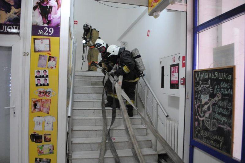 """Два """"условных"""" пожара было ликвидировано в торговых центрах Атырау"""