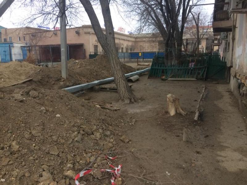 Новости Атырау - Дети падают в траншеи, вырытые возле подъездов в Атырау