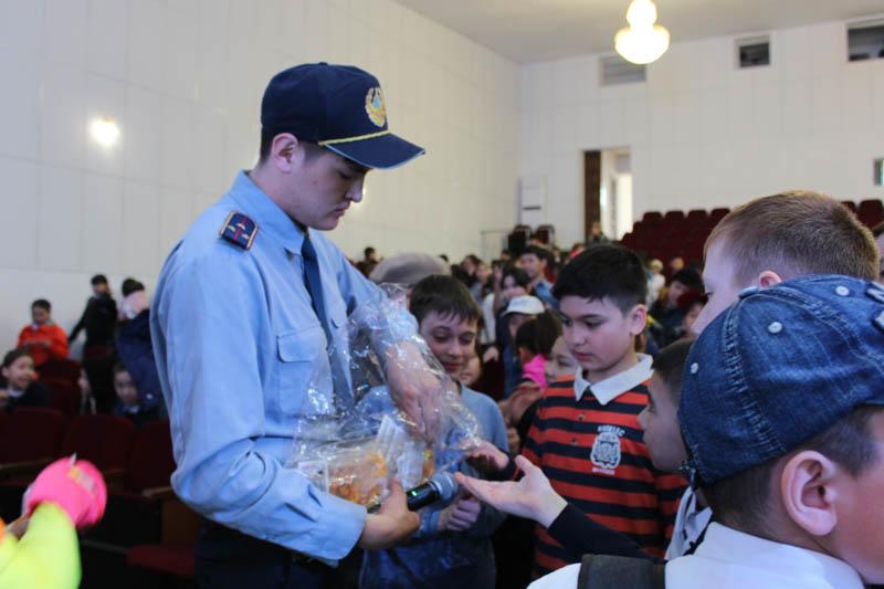 Новости Уральск - В Аксае школьники посетили «Школу пешеходных наук»