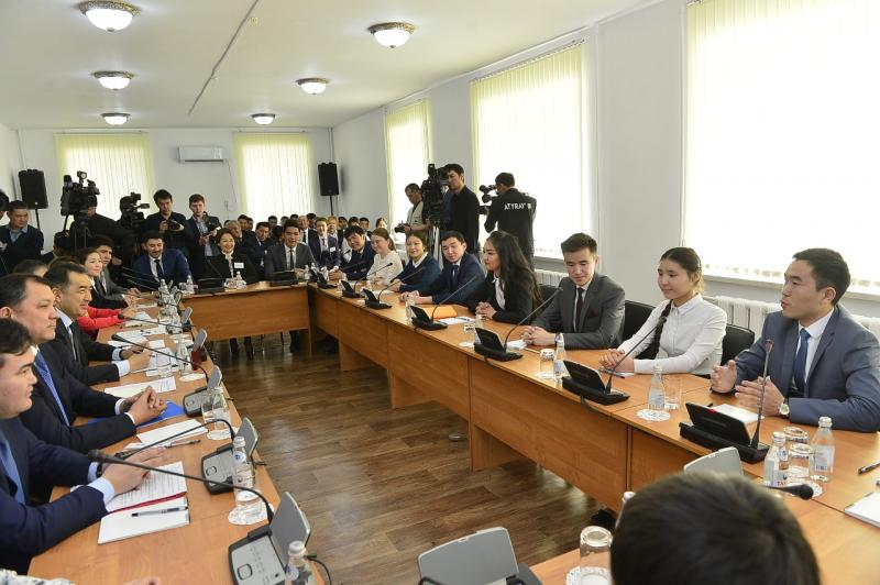 Новости Атырау - В Атырау 300 студентов смогут получить образование по региональным грантам