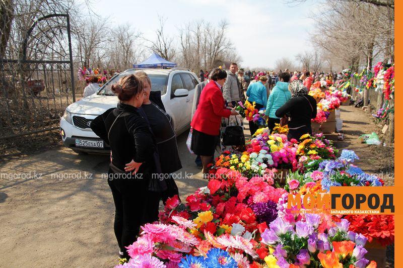 Новости Уральск - Православные христиане отметили Радоницу в Уральске