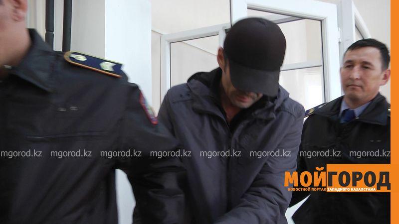 Новости Уральск - Суд Уральска арестовал подозреваемого в убийстве мужчины, тело которого нашли в контейнере