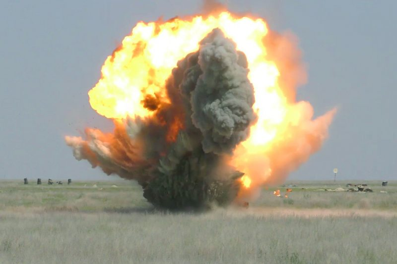 Новости Атырау - В Атырау саперы взрывают неразорвавшиеся снаряды