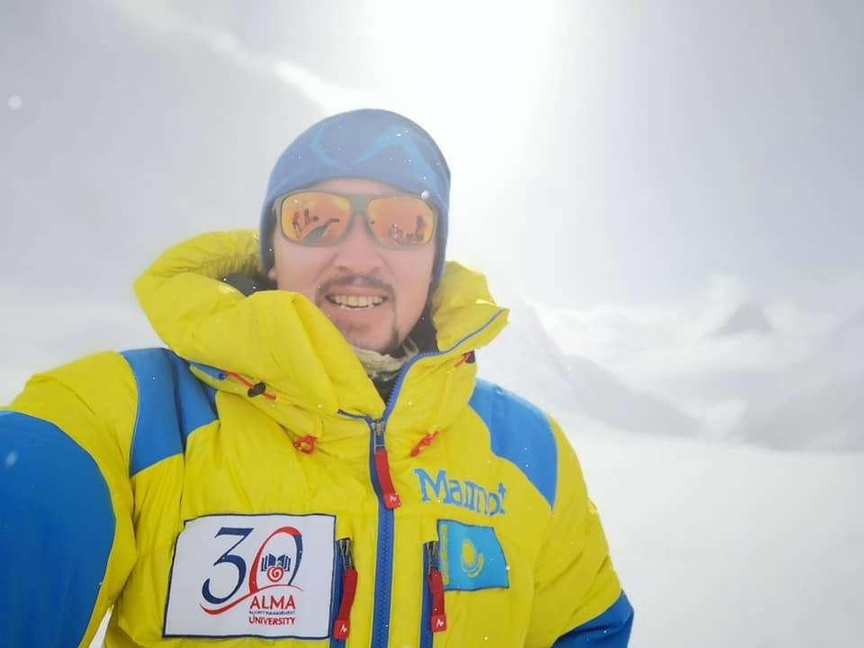 Новости - Максут Жумаев покорил Эверест