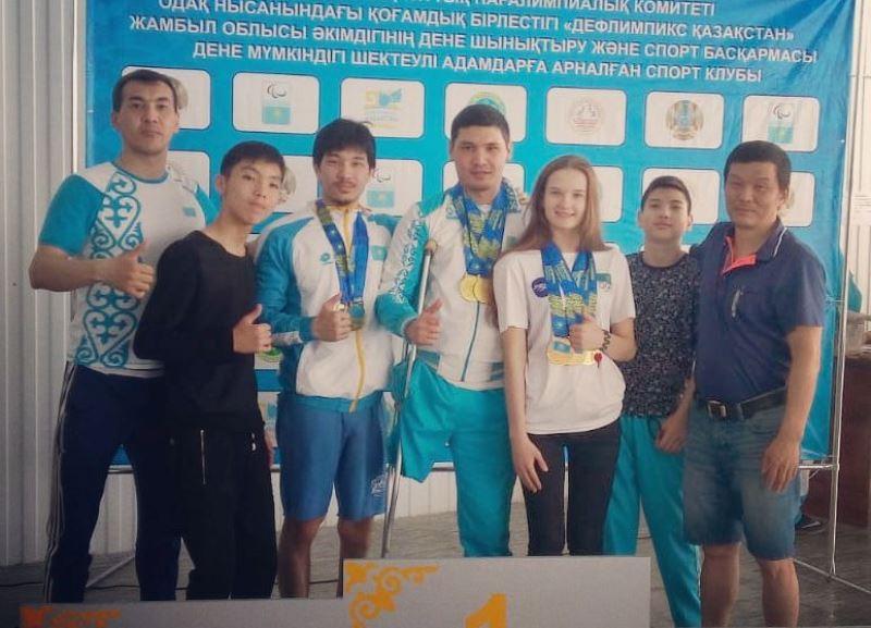 Новости Атырау - Атырауские пловцы завоевали 9 золотых медалей на чемпионате Казахстана