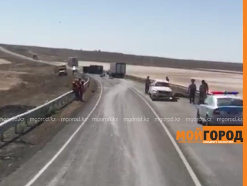 Два человека погибли в аварии в Атырауской области
