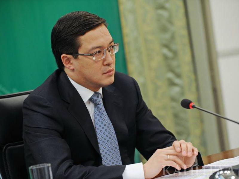 Новости - Банкам и бизнесу дадут 200 миллиардов тенге пенсионных денег - Акишев