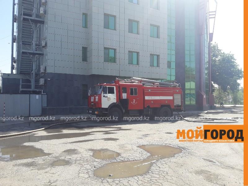 Новости Атырау - В Атырау горело здание бывшего колледжа (видео)