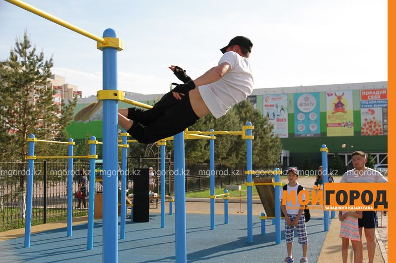 Площадку Street Workout за 7 миллионов тенге открыли в Уральске