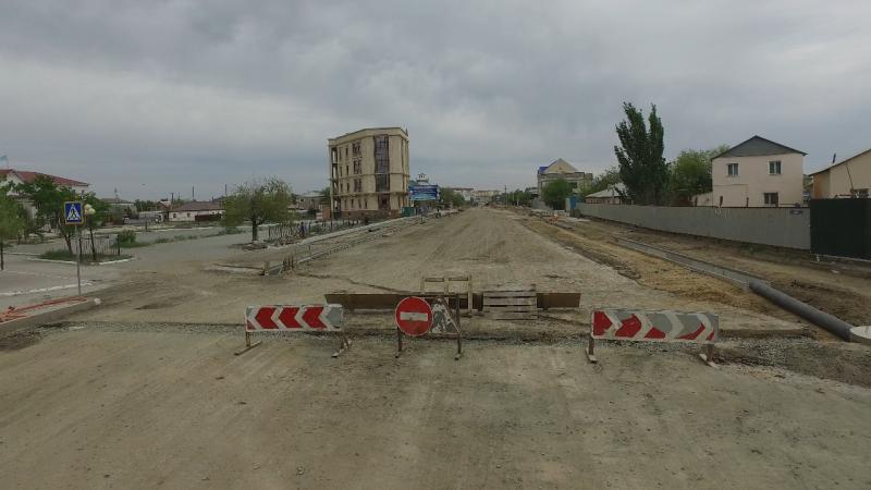 Новости Атырау - В Атырау срок реконструкции дороги по ул.Баймуханова продлили до 25 мая
