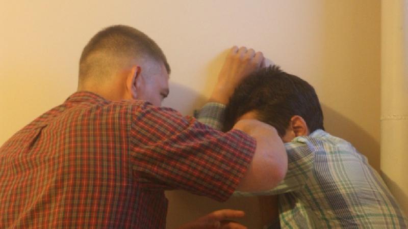 Новости Атырау - В Атырау пьяный зять избил бывшего тестя в его же доме