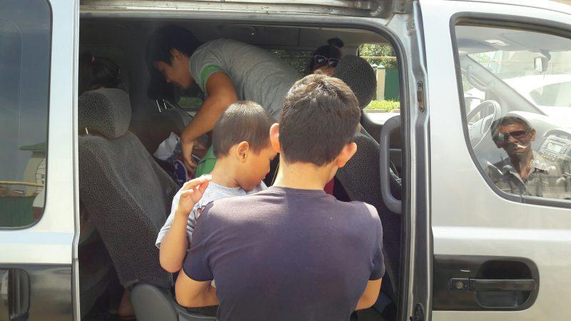 В Атырау матери особенных детей ищут бесплатных водителей