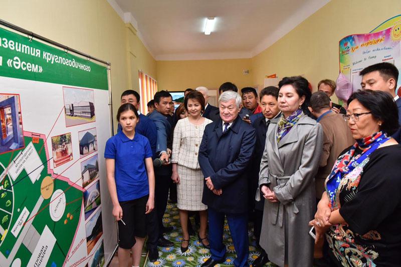 Лагерь для особенных детей презентовали госсекретарю РК в Актюбинской области
