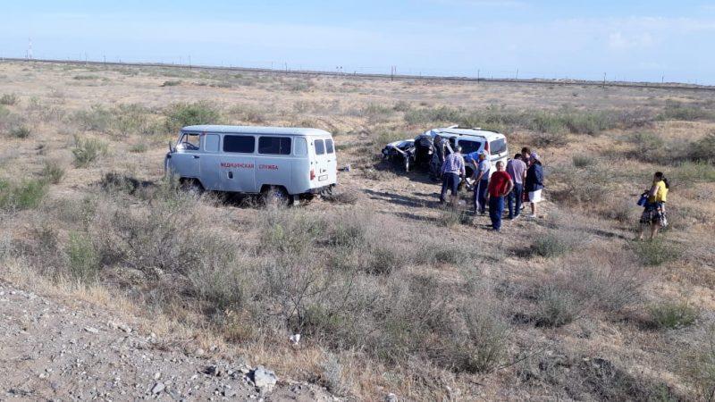 12 человек пострадали в аварии на трассе Астрахань - Атырау