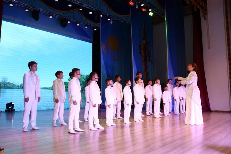 В Атырау отметили День государственных символов РК