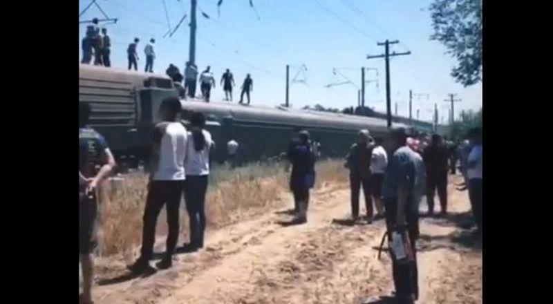 В ШУ пассажирский поезд сошел с рельсов